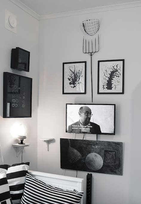 Television and lot of original art