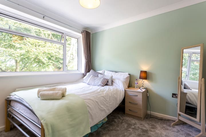 Cosy room near Swanwick train station - Park Gate - Hus