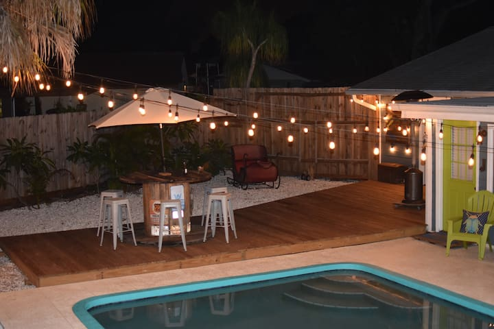 A large deck for entertaining.