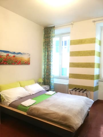 Emerald Room - in front of Giramondo Room and Breakfast, in Rapallo