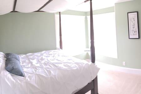 Auburn Heights -- Private Room