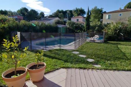 Maison + Piscine au calme proche Montpellier - Saint-Génies-des-Mourgues