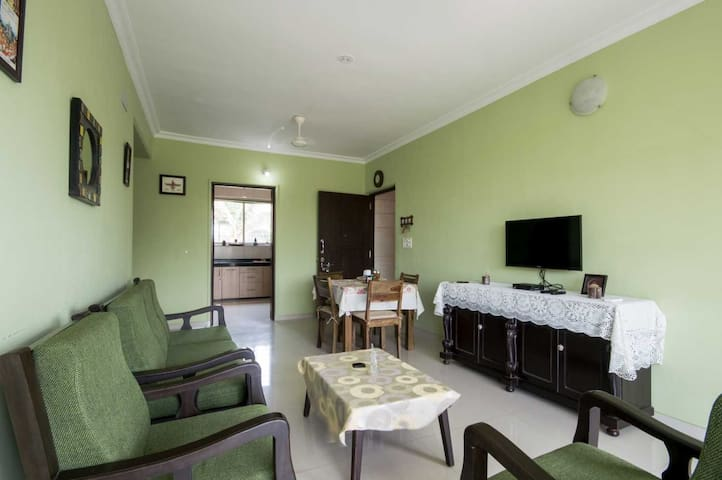 2 bedroom apartment/pool/7 min from candolim beach