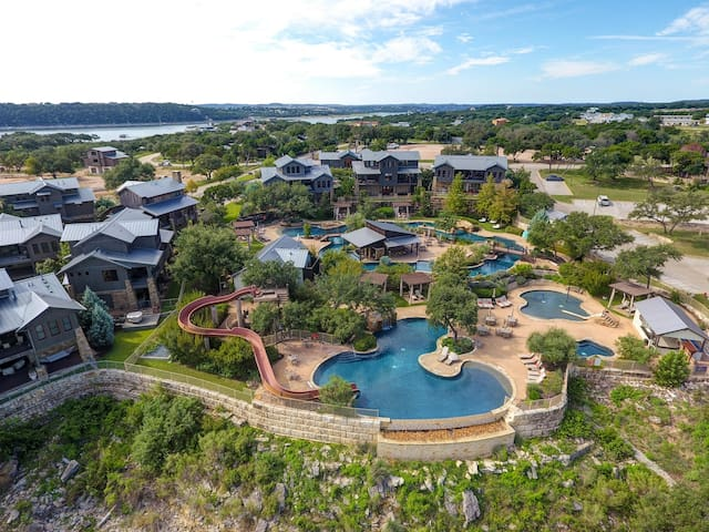 During your stay at The Reserve at Lake Travis, enjoy all of the amenities you could want for a vacation.