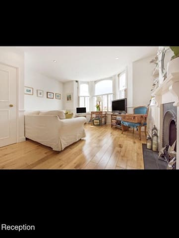 Lovely period flat in popular Brixton/Clapham - London - Wohnung