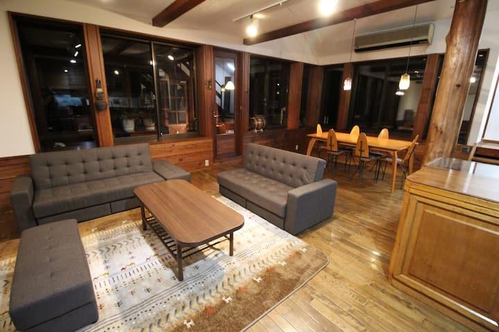 Bears House Condominium with 70 ㎡ living dining