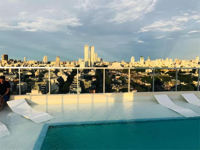 Great Place, Super Modern & Comfortable. Roof Pool