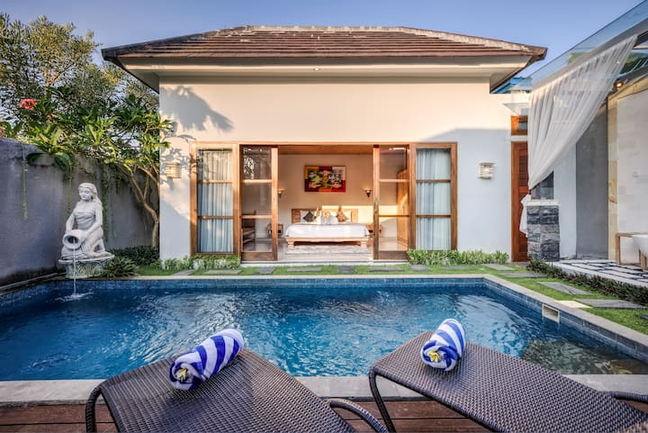 Stunning One Bed Room Villa With Garden View