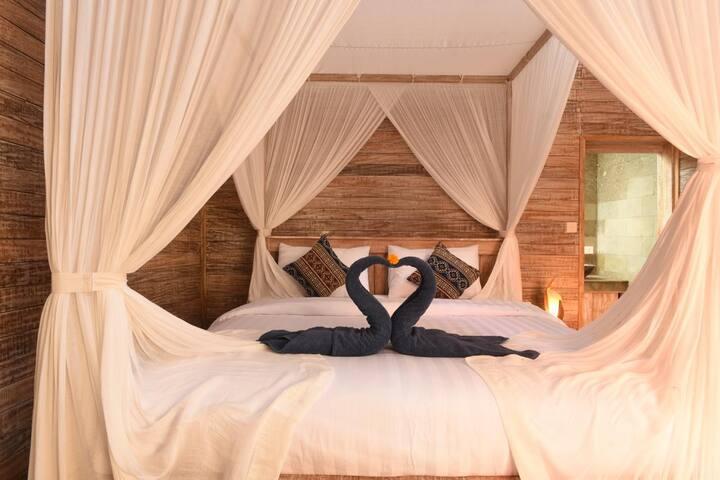 Cozy 4 bedrooms Joglo wooden villa in Canggu #2