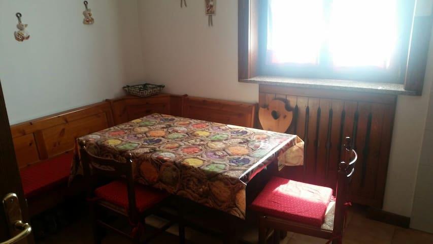 Appartamento di 90 mq. su 2 livelli - Calalzo di Cadore - Lägenhet