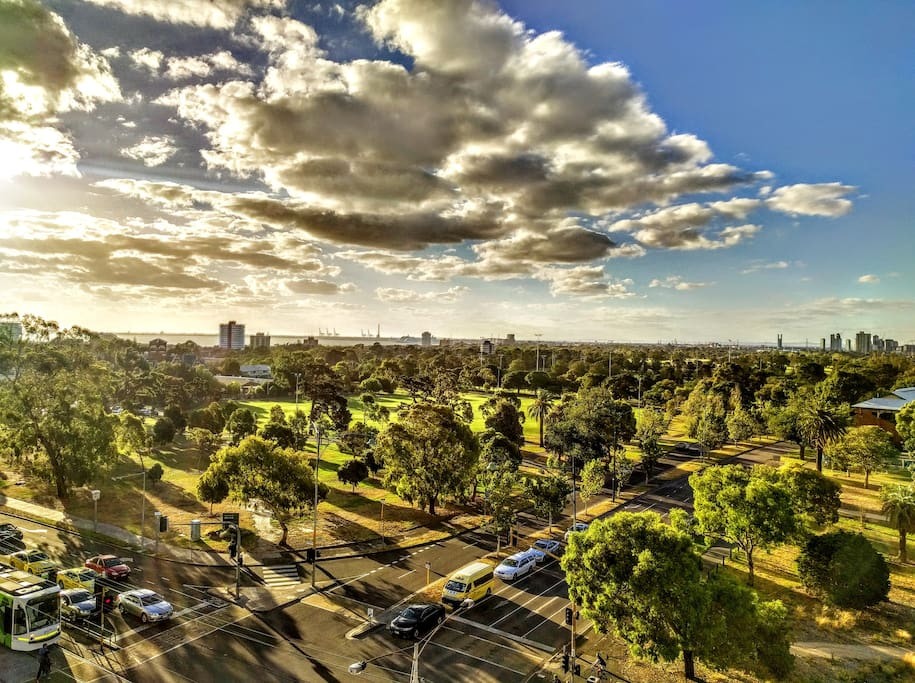 Rooftop - Stunning Penthouse view of Fitzroy st and Albert park for sunset glass of wine