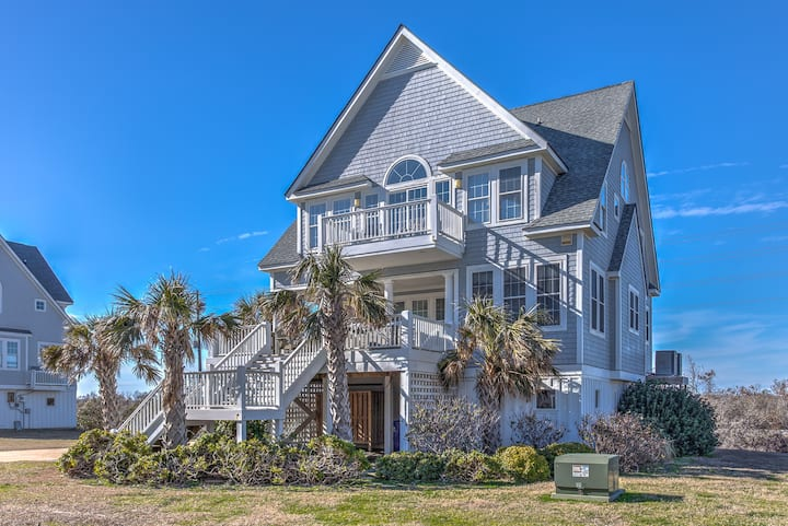 Oceanfront 5BR/4.5BA with hot tub