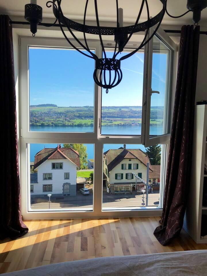 Wunderschöne Lage und Zimmer mit direkter Seesicht