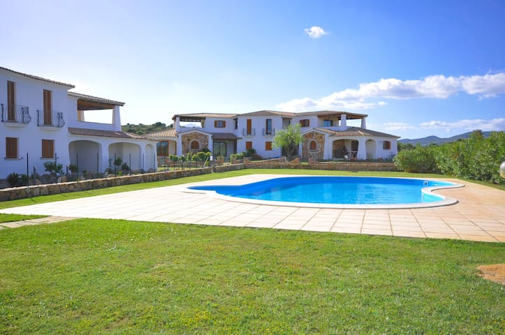 500 meters from the beach,shared pool, WI-FI