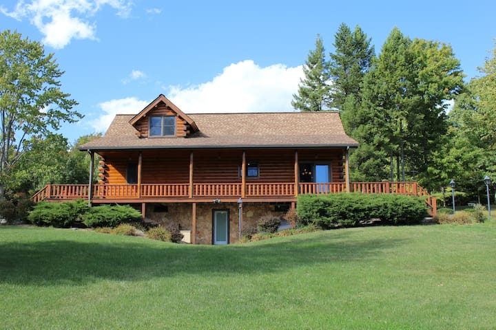 Mountain Top Vacation Home close to Ithaca