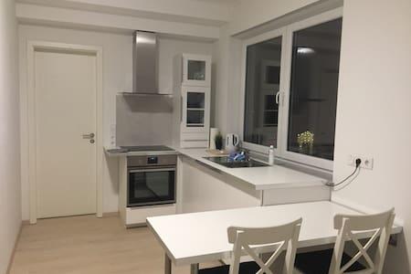 Modernes, neues, helles Appartement - Gelnhausen