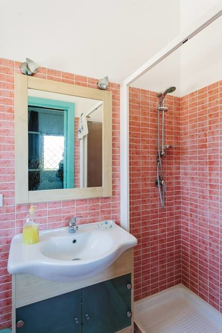 Levanzo: bagno riservato