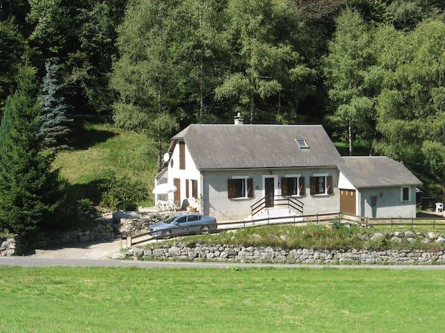 Le Cottage Cottage De La Vallee - Campan - Hus