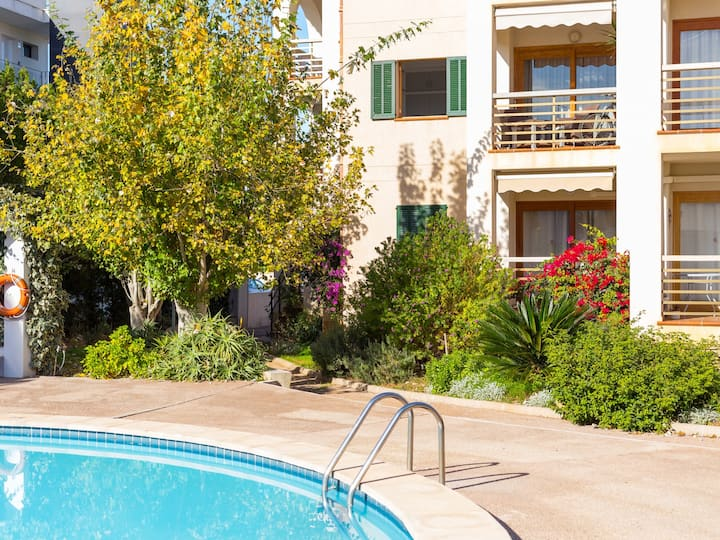 Apartment for 4 people & pool in Port de Pollença