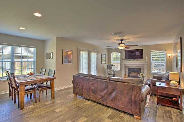 NEW! Longview Family Home w/Furnished Deck + Grill