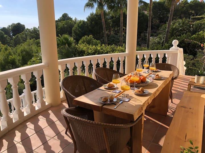 Casa la Sonrisa: Top Villa, 265m2 & 1600m2 Garden