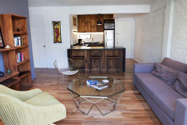 Contemporary, cozy apartment in heart of La Roma