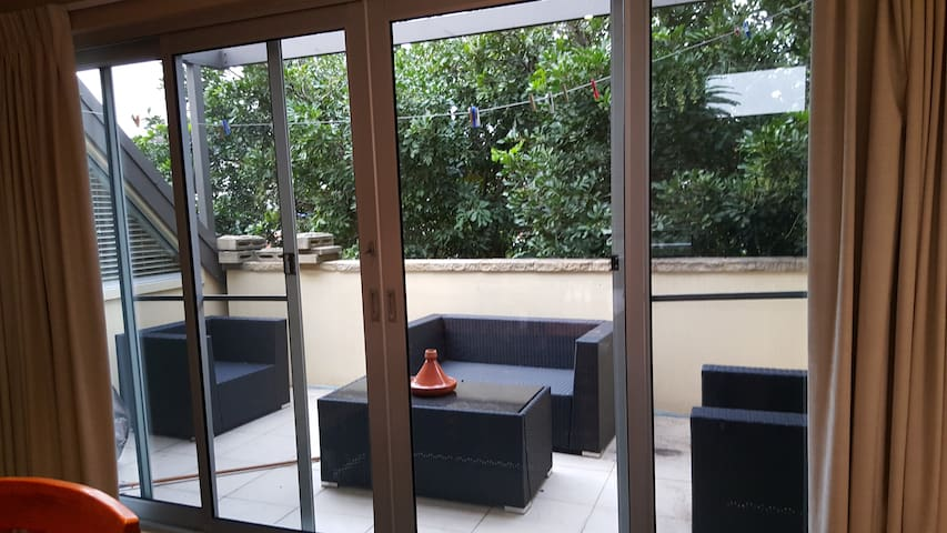 Sunny Two Bedroom Apartment near Manly - North Manly - Appartement
