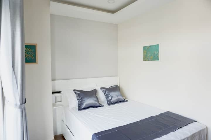 【SH】 Brand New Cozy Room, only 4 km to Center