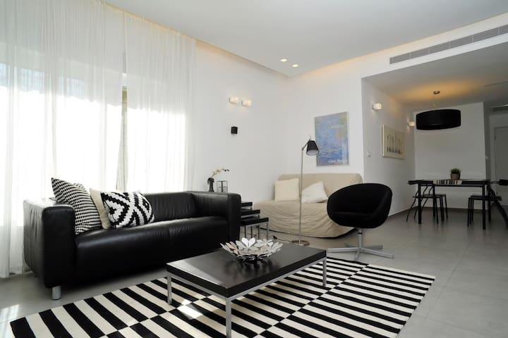 Stunning 2 bedroom luxury apartment near MAMMILA