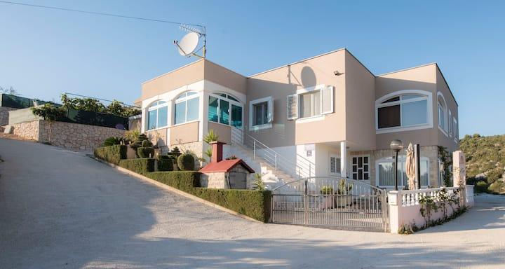 Apartments Lara Croatia