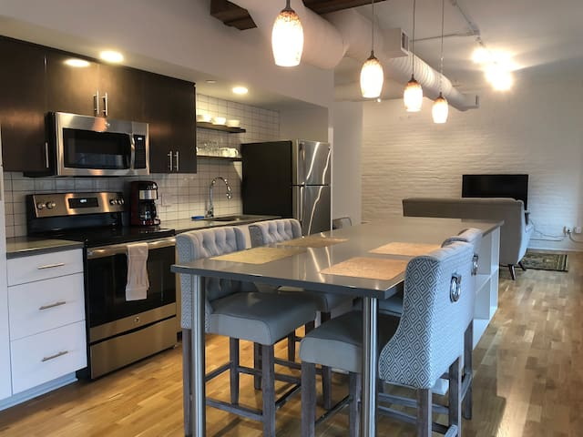 Woolworth Lofts - 2 Bedroom (327)