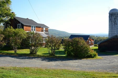Peckett's on Sugar Hill Iris Farmhouse - Sugar Hill