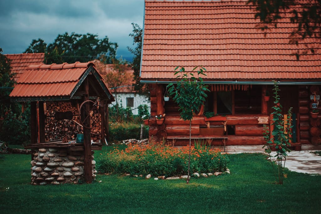 Transylvania log cabin chalet in affitto a pe teana for Log cabin montagne blu