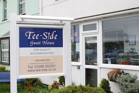 Tee-Side Guest House - Bude - Bed & Breakfast
