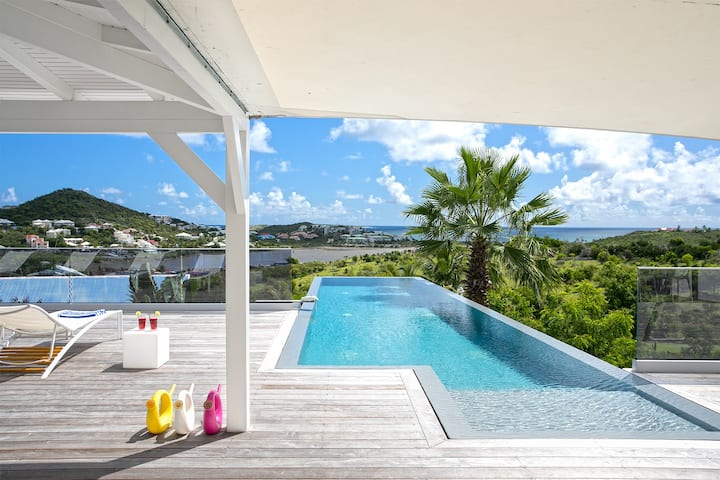 Sleek villa near Orient Bay with private pool