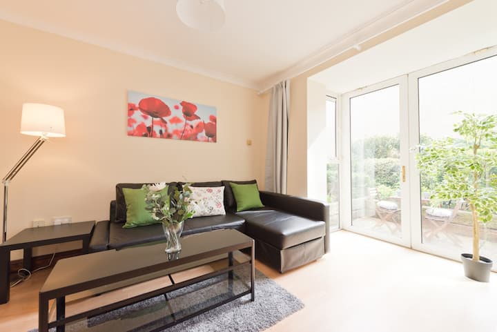 **Monthly discount**Cosy 1 bed with private patio