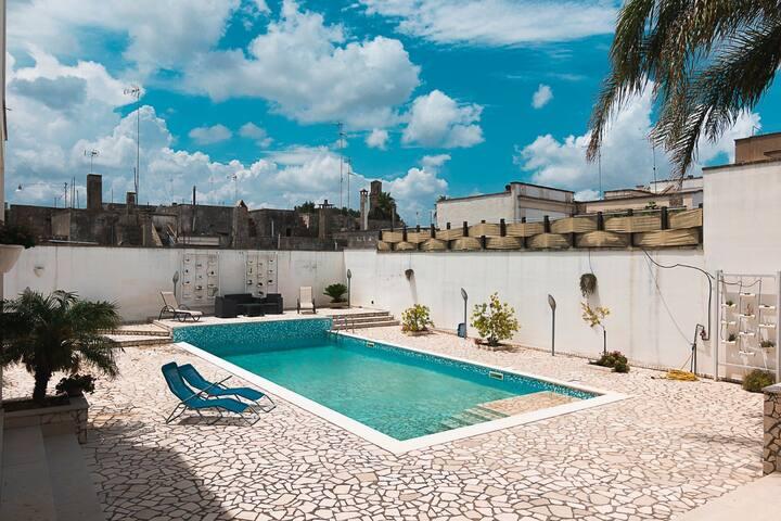 piscina privata in condivisione con i soli proprietari