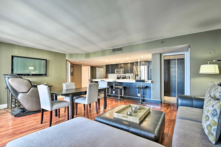 Modern Resort Penthouse - 4 Miles to Miami Beach