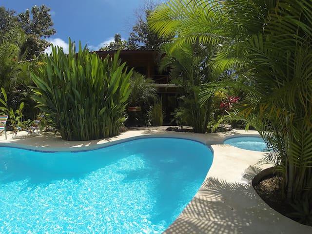 A peaceful lodge immersed in nature - Playa Santa Teresa - Byt