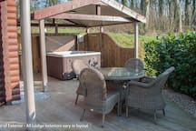Hot tubs and outdoor dining with all lodges