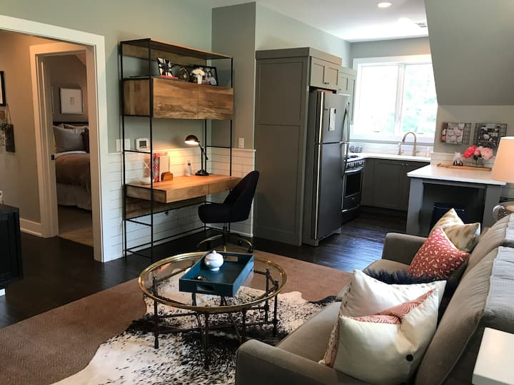 Private one-bedroom apartment in Winona Lake IN