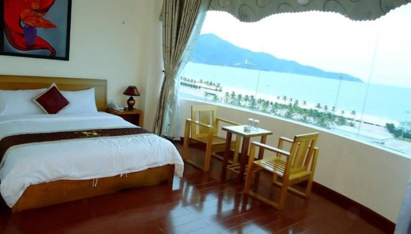 deluxe room along the beach - Sơn Trà