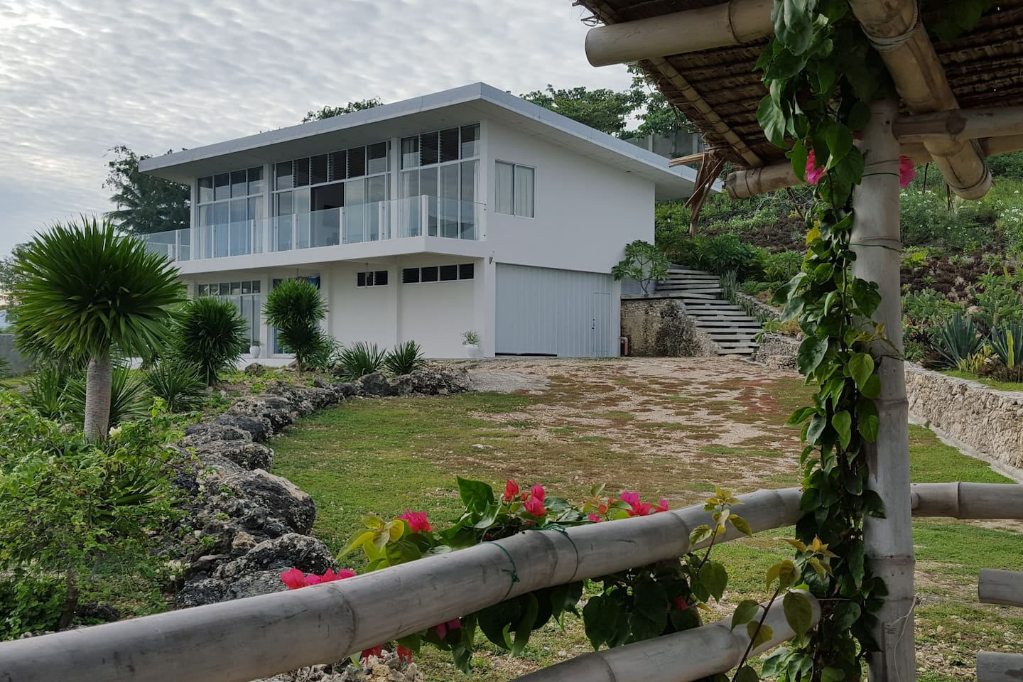 Crib for sale in olongapo - Seaside Cliff Top House Barili Houses For Rent In Barili Central Visayas Philippines