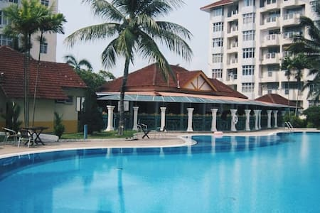 Ocean View Resort [ Able to fit 5-10 People] - Port Dickson