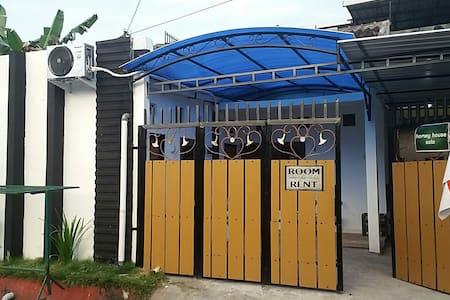 homey house solo - surakarta - Talo