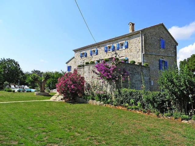 Stone house with private pool -  Sveti Lovrec