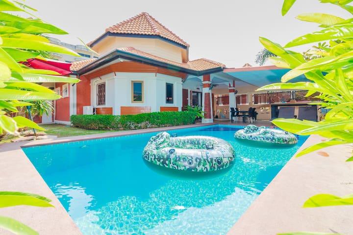3 Beds Villa near Walking Street Momo Garden Villa - Muang Pattaya - Villa