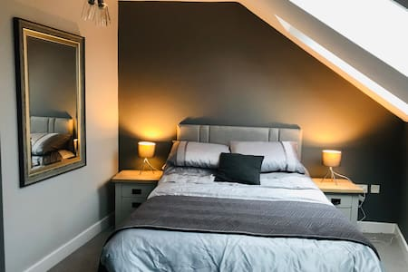 Stylish flat in heart of Stratford Private Parking