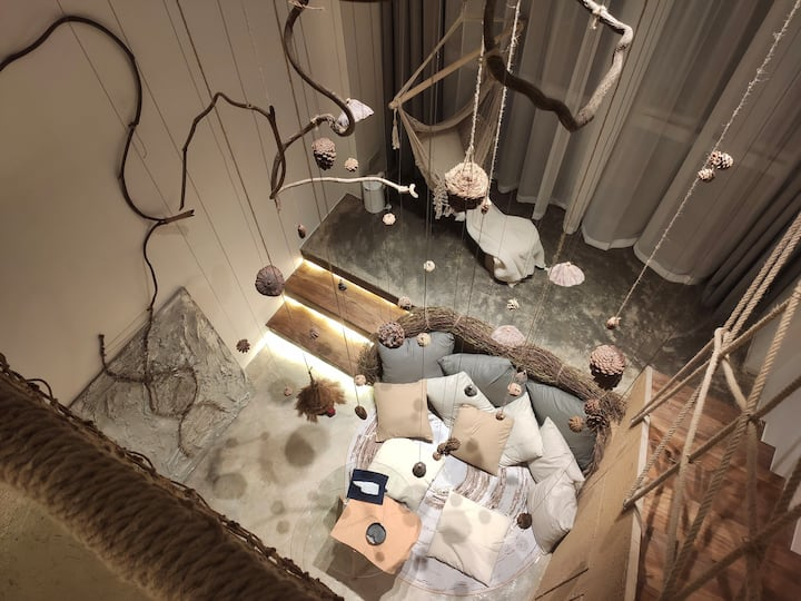 青云·窠巢 loft艺术居住空间 位于双地铁上网红社区 近太古里/春熙路/九眼桥 配极米100寸投影