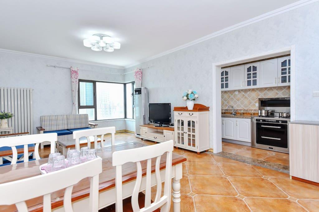 45平超大客厅,宽敞明亮,地中海风格,全套高档实木家俱